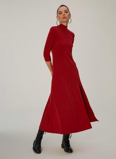 NGSTYLE Yırtmaç Detaylı Örme Elbise Bordo